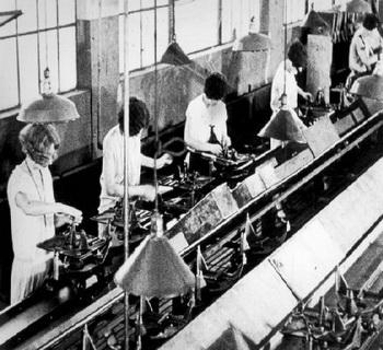 Кем изобретен конвейер погрузка зерновых на элеваторе