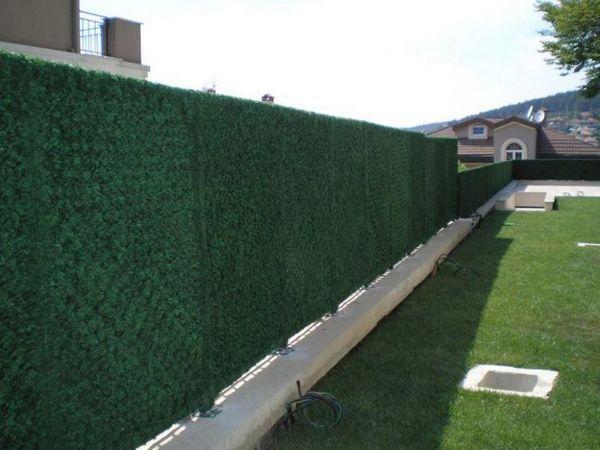 Чем закрыть забор из сетки рабицы от соседей: фото, как ...