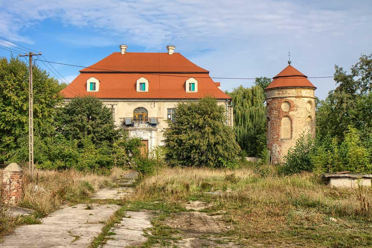 Dwór w Chotkowie