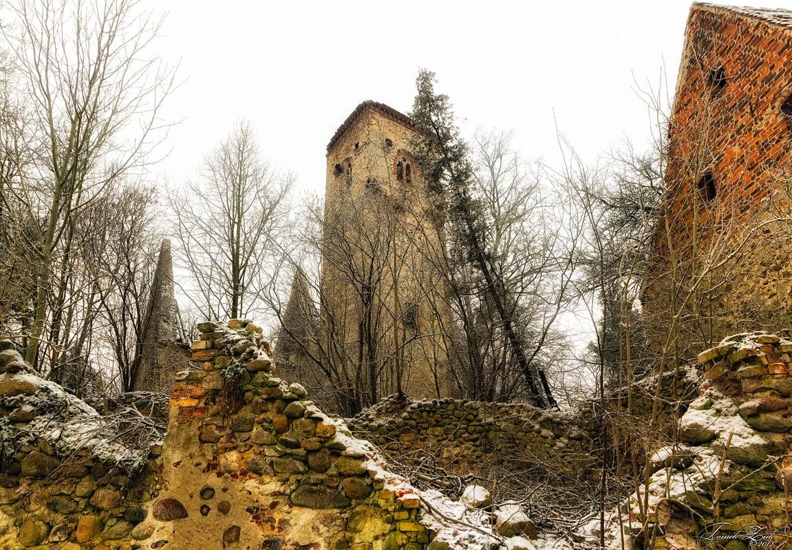 Ruina kościoła w Złotniku