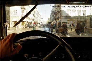 "Citroen C4 - zdjęcie z planu filmu ""Music, War and Love"""