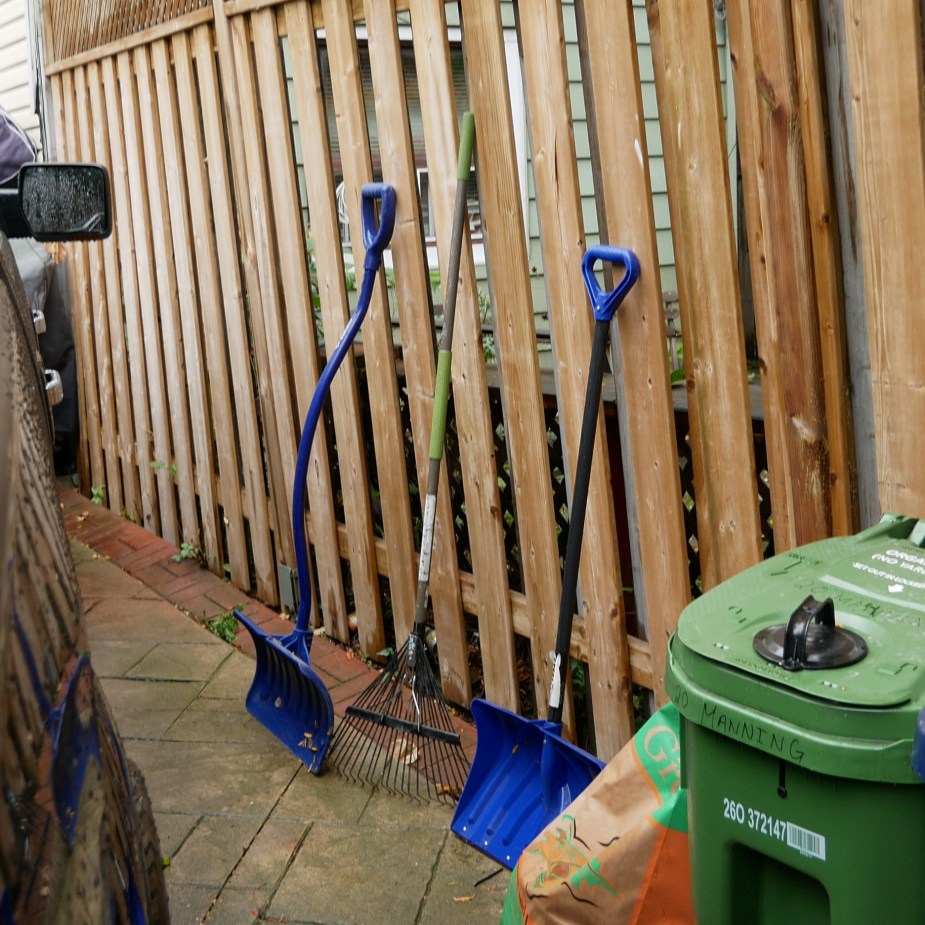 Yard Hangers (5 of 10)