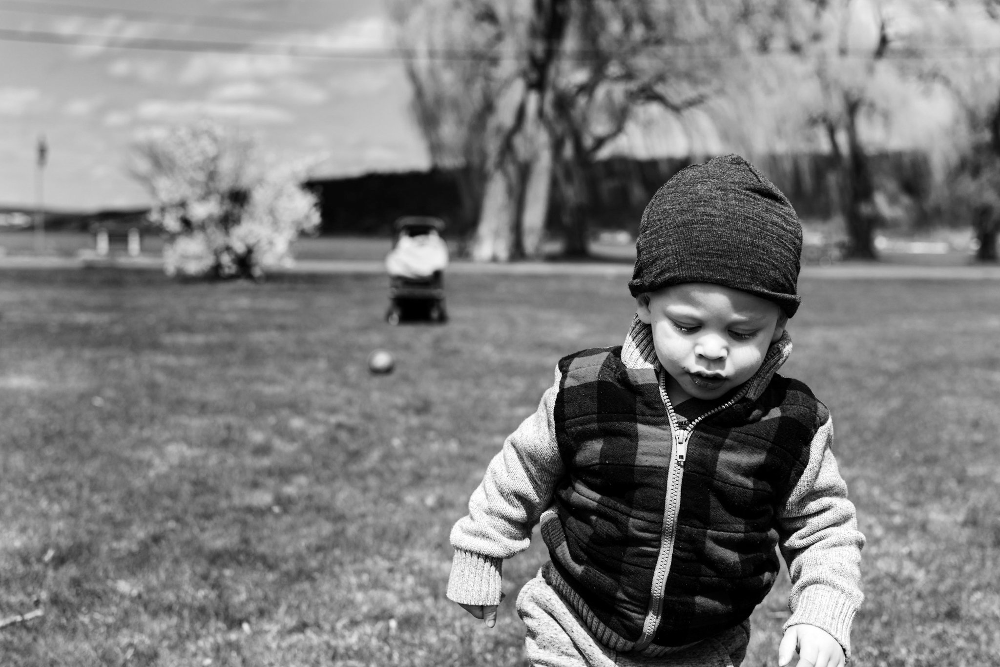 shows monochrome photo of my son