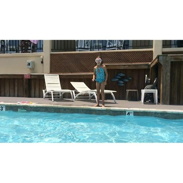 Crazy kid hurling herself in a pool. #Meliamae