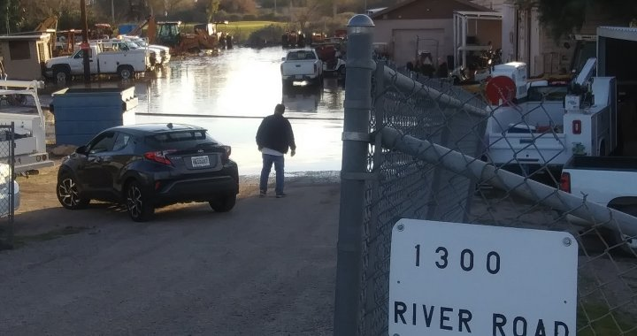 Breaking News: Needles, CA: Water line rupture at 1300 River Road near River Edge Golf Course.