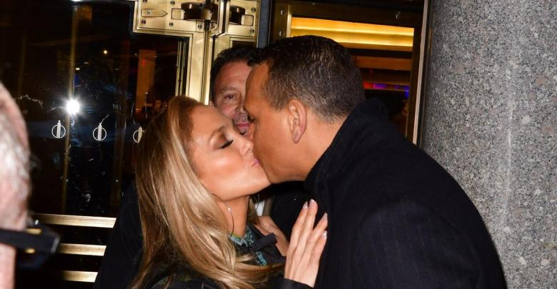 Alex Rodriguez's Reaction To J.Lo's Super Bowl Halftime Show Performance Is Everything [ARTICLE]
