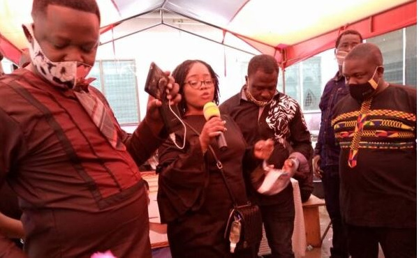 Media personalities, musicians pay last respect to DJ Amess
