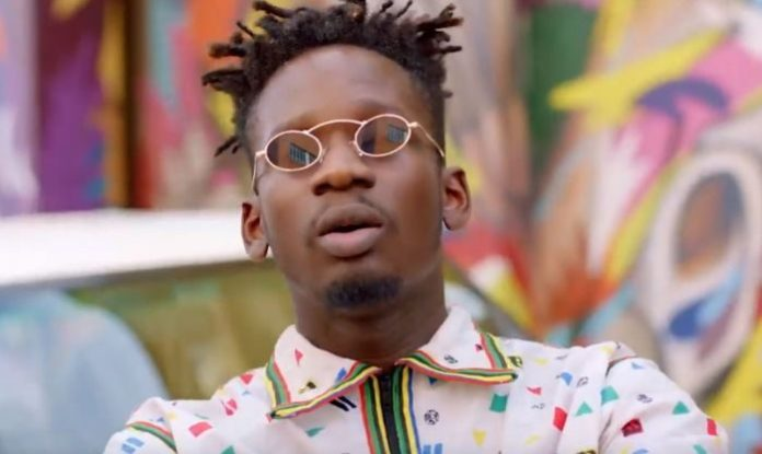Mr Eazi has revealed on Twitter that he will be giving a fan Ghc120,000 to start the new year