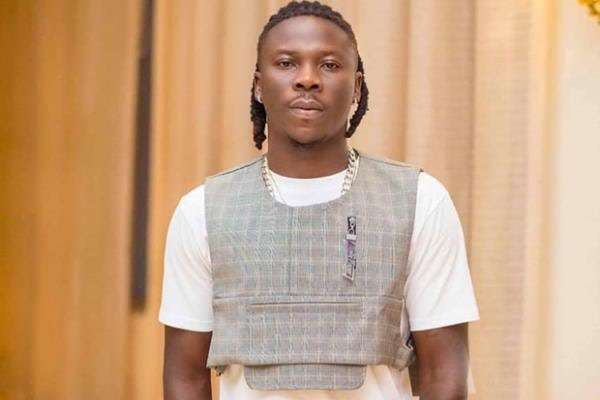 You are not my friend if you still hang out with people who have harmed or disrespected me - Stonebwoy Declares