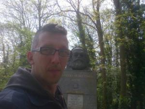 Stanovanja namesto revolucije: Intervju z Leom Kühbergerjem