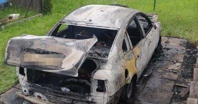 Wieliczka- Wściekła kobieta spaliła byłemu samochód i próbowała go zabić