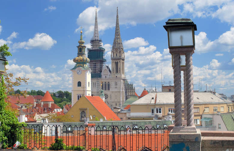 Zagreb Dubrovnik tour - Zagreb sightseeing with view from upper city
