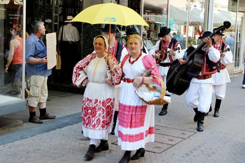 Zagreb waling folklore music