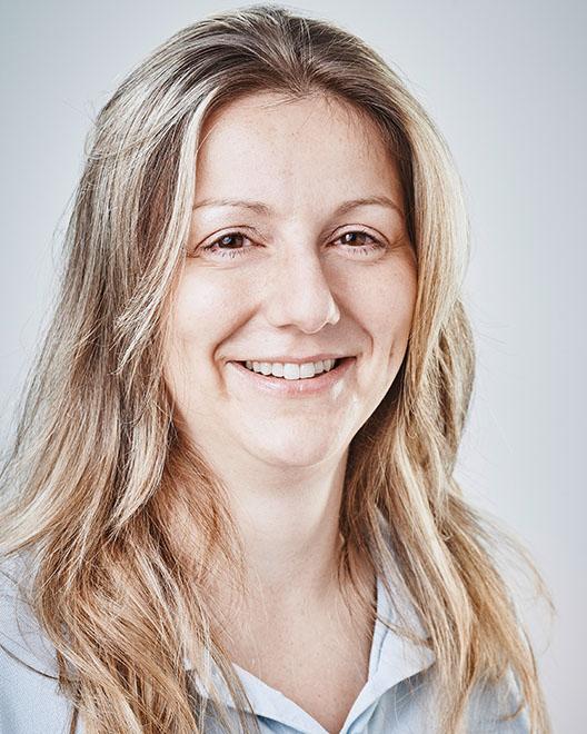 Angela Schäfer, Zahnmedizinische Verwaltungsassistentin in Mainz