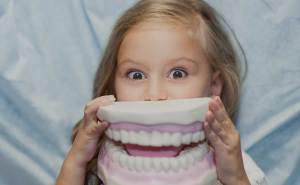 Kinderbehandlung Zahnarzt München Tatyana Sanina Zahnarztpraxis Schwabing