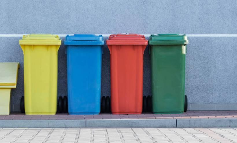 Kolorowe śmietniki