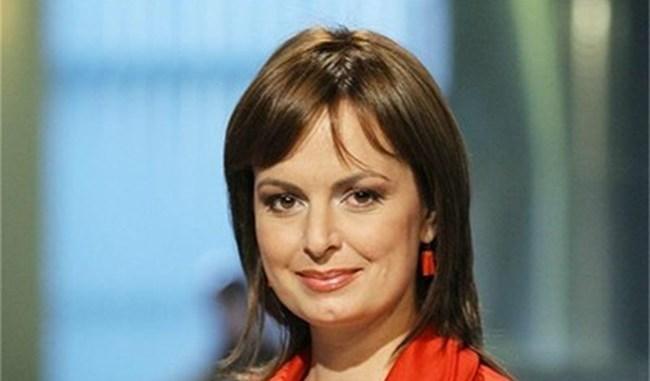 Мариана Векилска в червено
