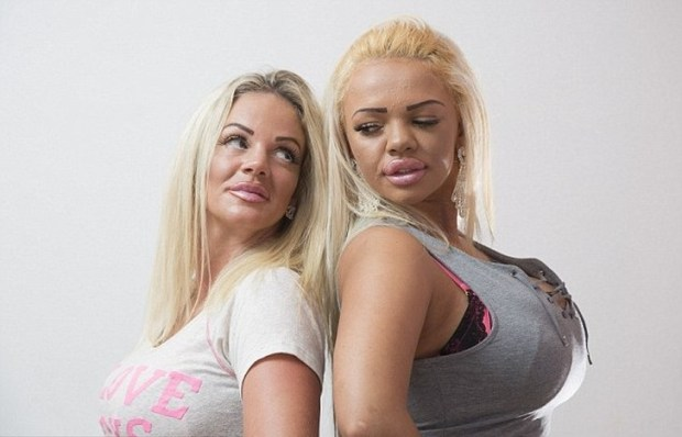 майка и дъщеря със силикон