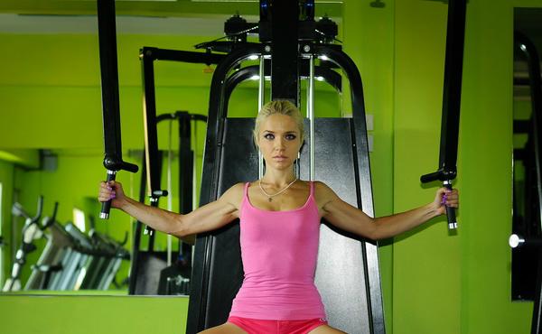 как да премахнете мазнините от гърба