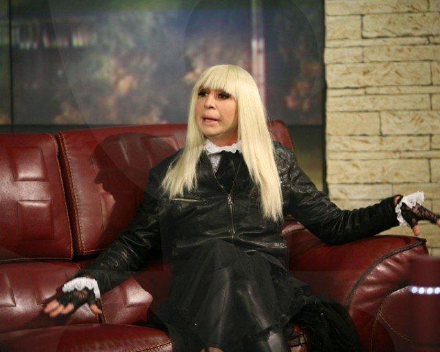 Виктор Калев като Лили Иванова