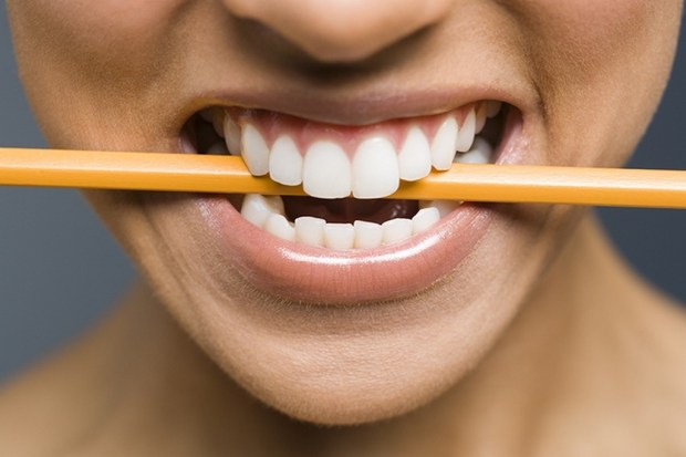 стрес и зъби