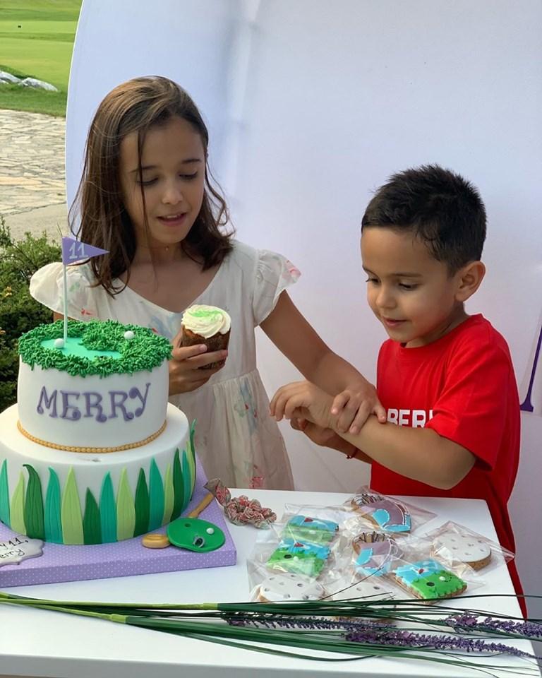 Марая с брат си