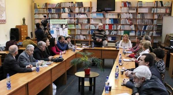 """В Ужгороді провели """"круглий стіл"""" до 100-річчя з дня ..."""