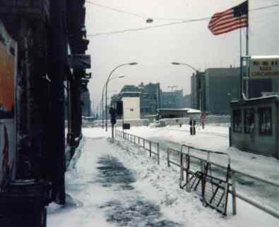 Berlin hiver, CheckpointCharlie