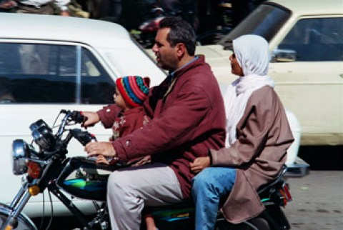 Famille iranienne à moto