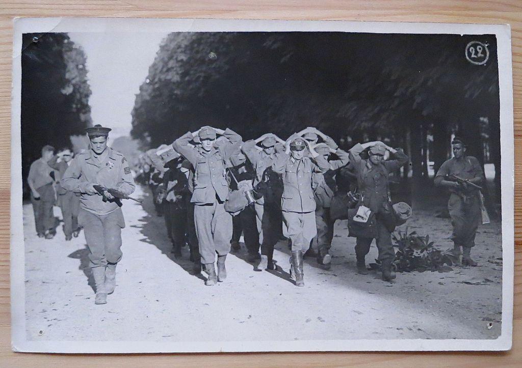 Libération de Paris, rue Fleurus Prisonniers-allemands-25-ao%C3%BBt-1944
