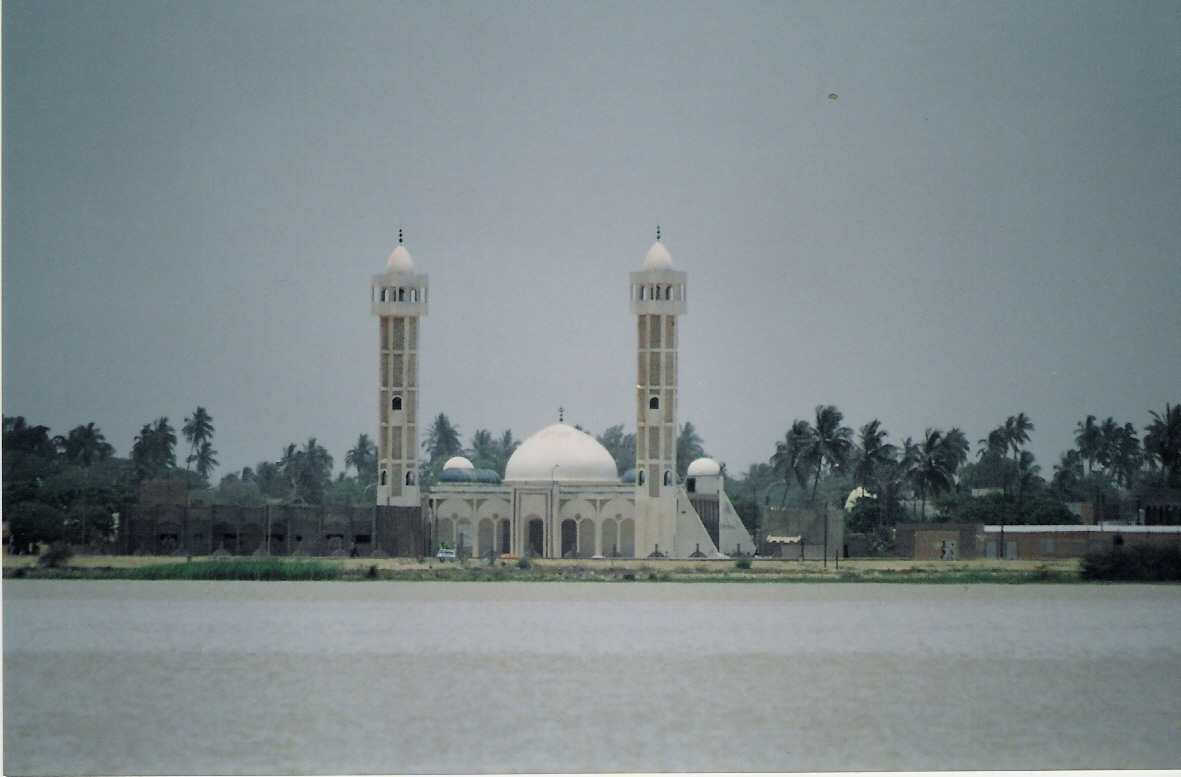 Το Ισλάμ είναι η κυριότερη θρησκεία της αφρικανικής ηπείρου με 45% και ακολουθεί ο Χριστιανισμός με 40%