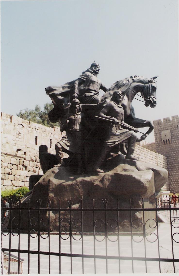 Άγαλμα του Σαλαντίν που νίκησε τους τυχοδιώκτες σταυροφόρους (Δαμασκός)