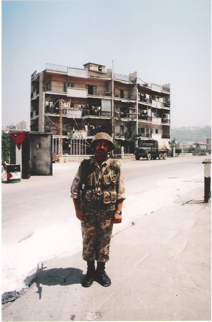 Σύρος στρατιώτης στον Λίβανο, πριν την αποχώρηση