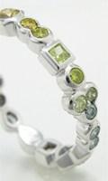 オーダメイド制作したカラーダイヤのグラデーションエタニティリング