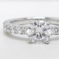 立て爪ダイヤモンドリングのリフォーム実例