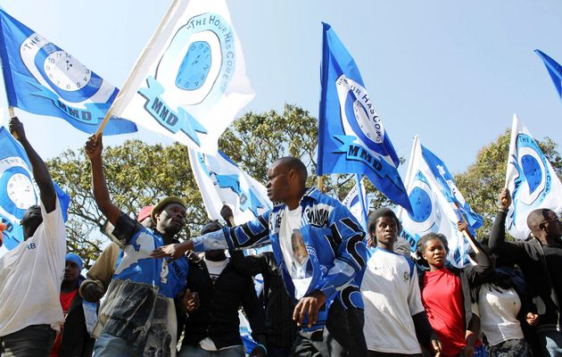 Rival MMD factions outdo each other at ConCourt