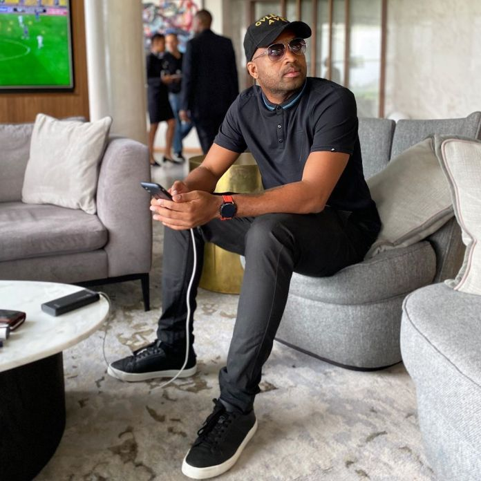 Talk about being bored – Itumeleng Khune juggle toilet paper in the new #TissueChallenge