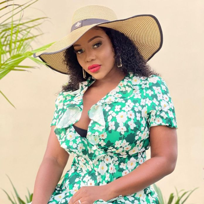 #WCW: Cleo Ice Queen flaunts her curves in a summer dress – Photos