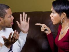 signs-that-youre-not-the-main-chick-in-your-relationship