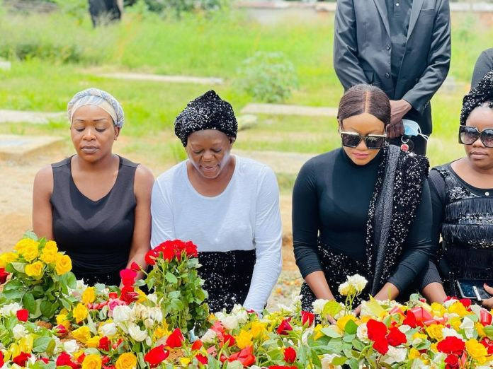 Mutale Mwanza says her final goodbyes to her loved one – Photos