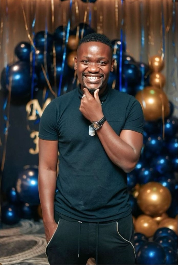 Skeem Saam's Clement Maosa shows off his brand new car – Picture