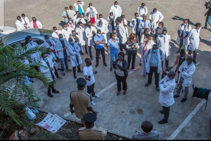 Amos Malupenga advices Doctors to end their Go Slow