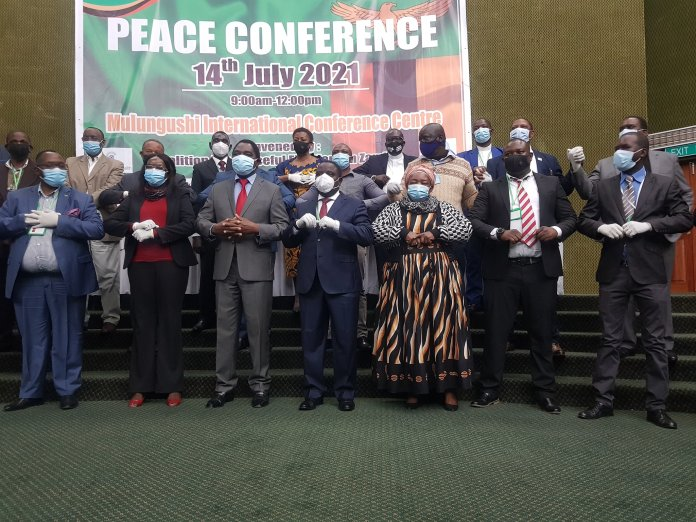 Political Parties Sign a Peace and Non-Violence Accord