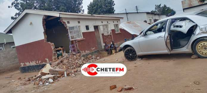 Speeding drunken driver with a child onboard rams into neighbors' house – Photos