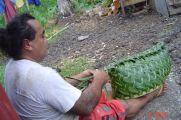 Phillippo making basket Samoa 2012