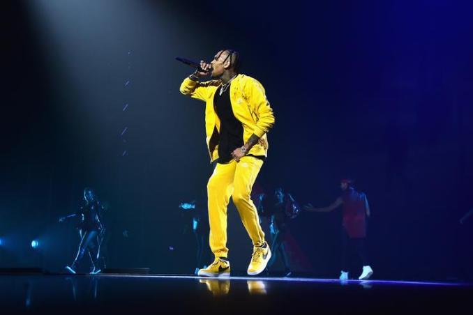 Chris Brown – Him Or Me , Chris Brown, Him Or Me , mp3, download, mp3 download, cdq, 320kbps, audiomack, dopefile, datafilehost, toxicwap, fakaza
