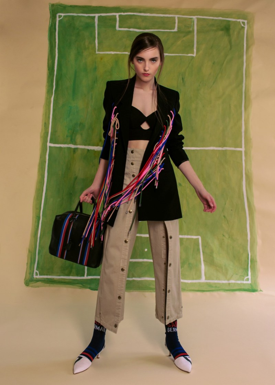 soccer football fashion burberry scarf