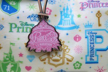 DooneyBourke_PrincessHalf2012_ToteMedal01