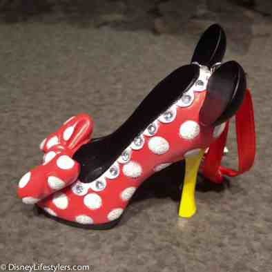 Disney Minnie Mouse character-inspired shoe ornament 2-2