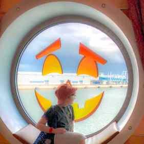 Gio with the Jack-o-Lantern portholes